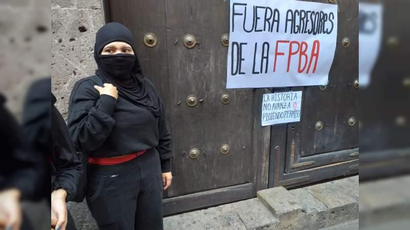 Estudiantes mujeres de la Escuela Popular de Bellas Artes demandan respeto por las agresiones en contra de ellas