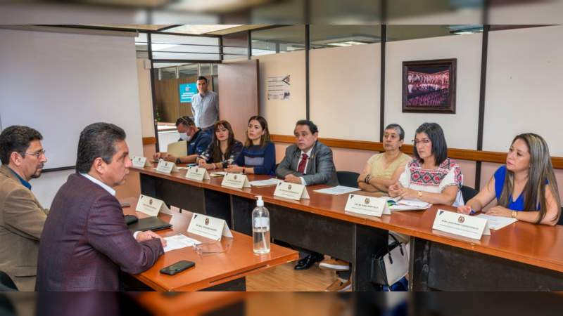 Rector Raúl Cárdenas toma protesta a los integrantes del Comité de Salud Institucional de la UMSNH
