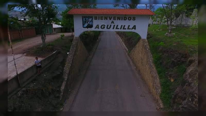 Luego de enfrentamientos, criminales atacan a balazos ambulancia de PC en Aguililla, Michoacán