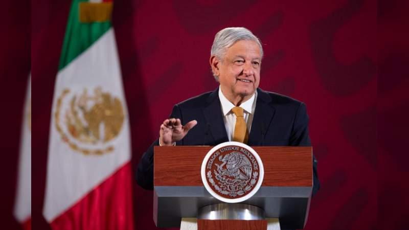 """López Obrador asegura que """"abajo"""" la gente está """"feliz, feliz, feliz"""", y llama a la unidad a """"adversarios"""" y """"conservadores"""""""