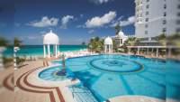 Además de playas, ordenan cierre de hoteles en México