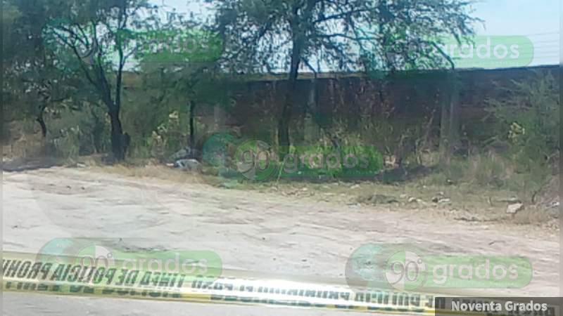 Localizan cuerpo baleado de un hombre en una terracería en Celaya, Guanajuato