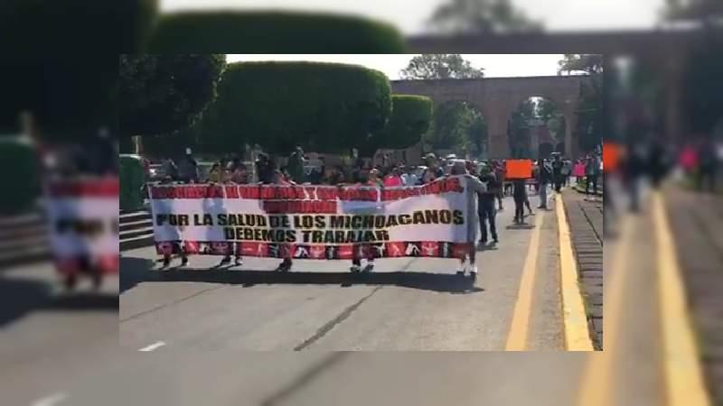 Propietarios de gimnasios marchan en Morelia, piden la apertura de sus negocios