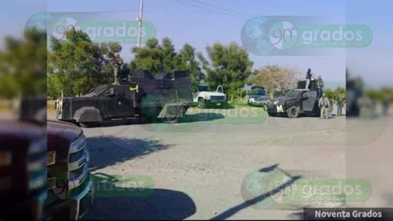 """Sicarios con camiones """"monstruo"""" se movilizan a """"El Aguaje"""", Aguililla; se registran balaceras"""
