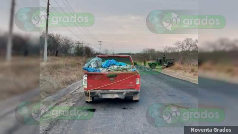 Ejecutan a 12 personas en Huetamo, Michoacán