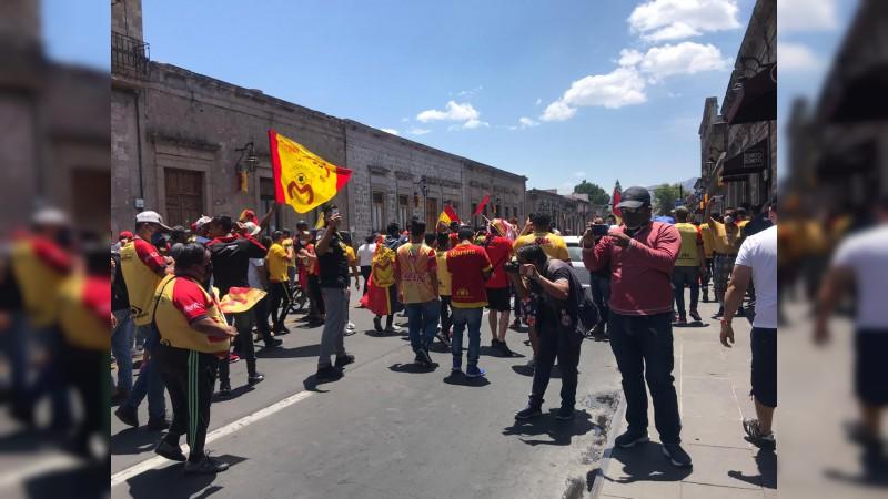 Aficionados de Monarcas se manifiestan en el centro histórico de Morelia