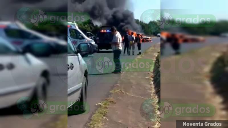 Balaceras entre civiles armados y bloqueos se registran en Tocumbo