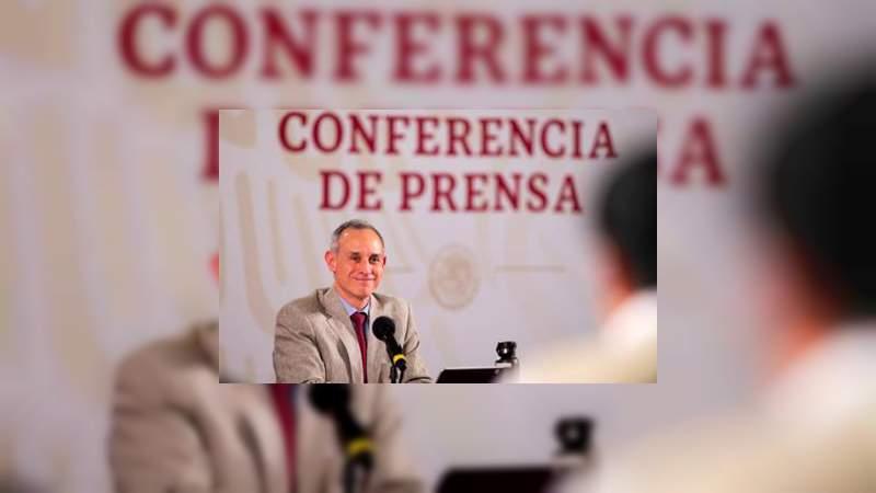 Giras de AMLO son una actividad esencial: López Gatell
