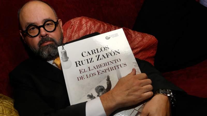 Muere el escritor español Carlos Ruiz Zafón como consecuencia de un cáncer