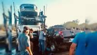 Mueren dos policías de Ario y uno estatal, al chocar contra tráiler en la Autopista Siglo XXI