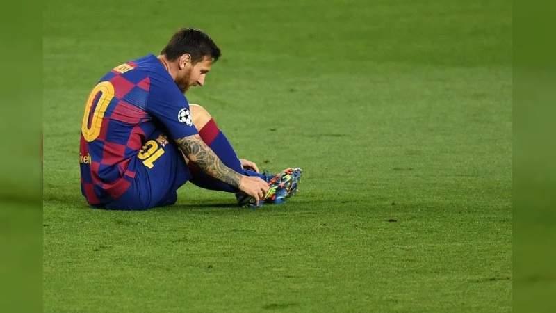 """Messi se queda en el Barcelona: """"Jamás iría a juicio contra el club de mi vida""""."""