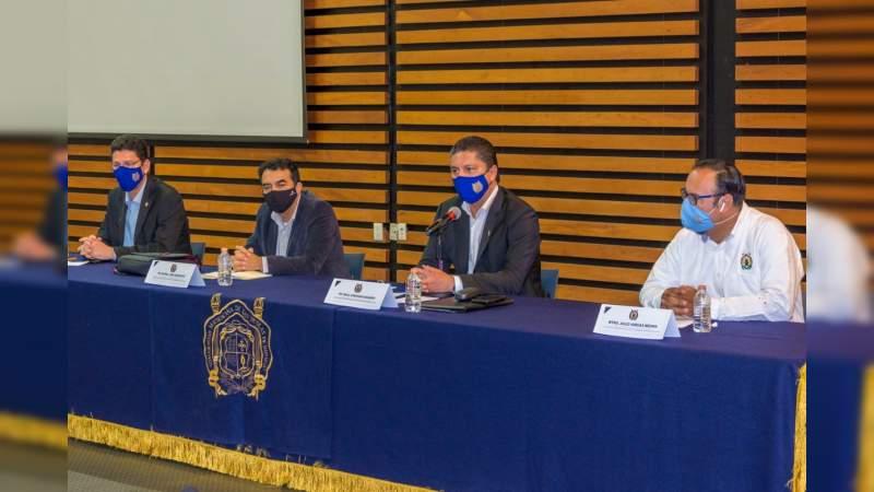 Rector de la UMSNH presenta programa de seguimiento ante colegio de profesionistas de Michoacán