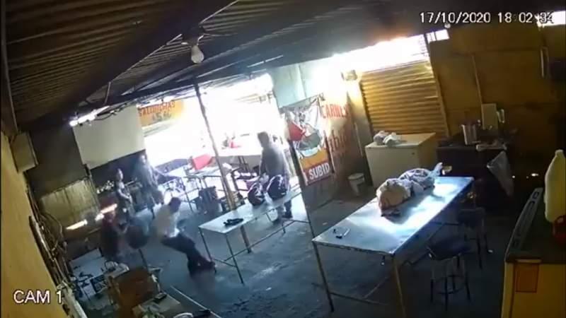 Empleado mata a balazos a presunto extorsionador en Apodaca, Nuevo León