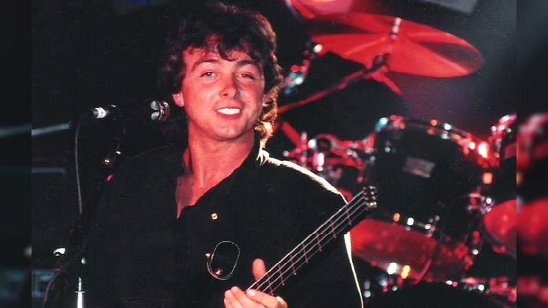 Muere a los 62 años, Tony Lewis, vocalista de The Outfield