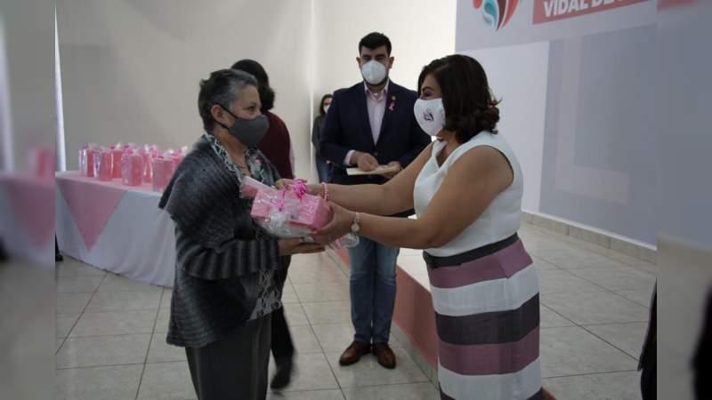 Entrega DIF Morelia prótesis externas de mama a 66 mujeres