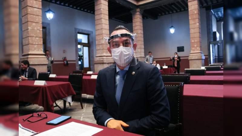 Médicos, los verdaderos artífices del combate a la pandemia en México: Antonio Soto