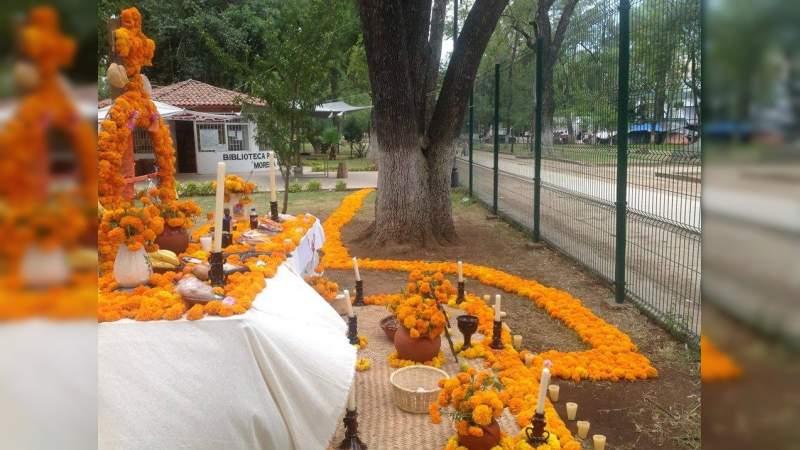 Altares y ofrendes de Día y Noche de Muertos… Esto es Fiesta, no es velorio