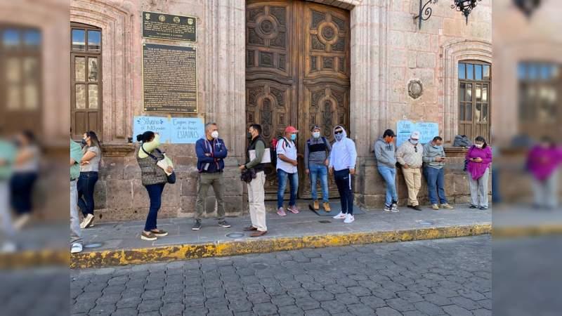CNTE se manifiesta en el Ayuntamiento de Morelia, exigen pagos atrasados