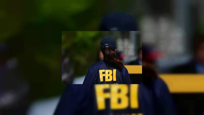Obtiene mujer comida gratis haciéndose pasar por agente del FBI