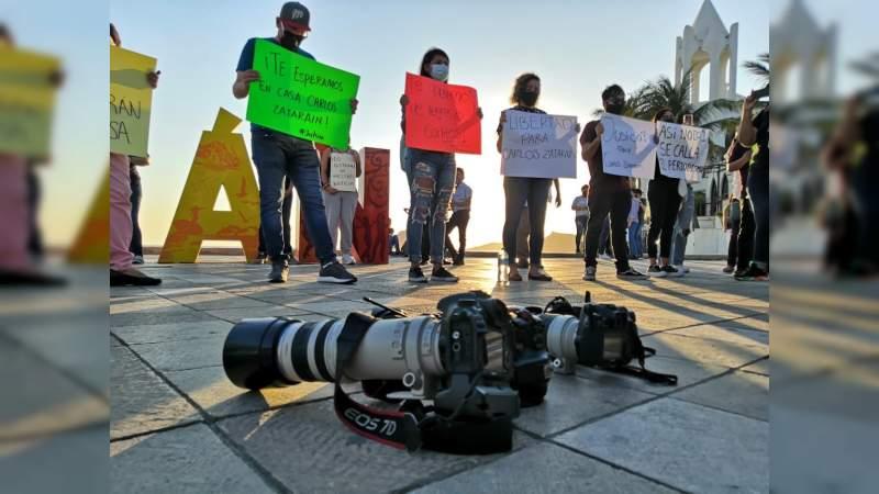 Periodistas se manifiestan en exigencia de la aparición Carlos Zataráin, secuestrado por comando en Mazatlán