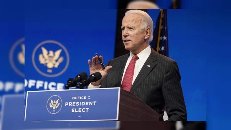 """Joe Biden pide a los inmigrantes: """"Aguanten, ya llego"""" ante crisis post elecciones"""