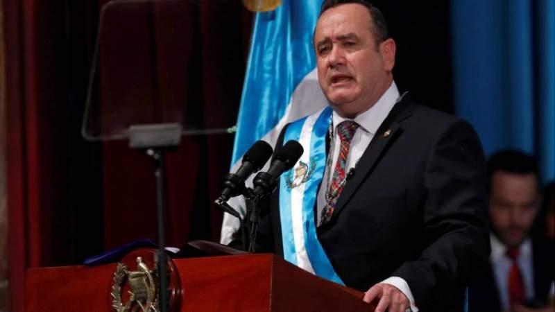 Vicepresidente de Guatemala pide al Presidente renunciar juntos, por controvertido presupuesto que endeudará más al país