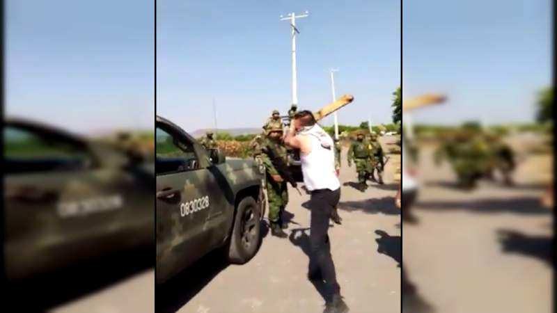 Humillan a militares en Múgica