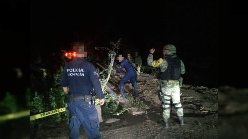 Restablecen SSP, Sedena y GN la circulación en Las Crucitas, municipio de Aguililla