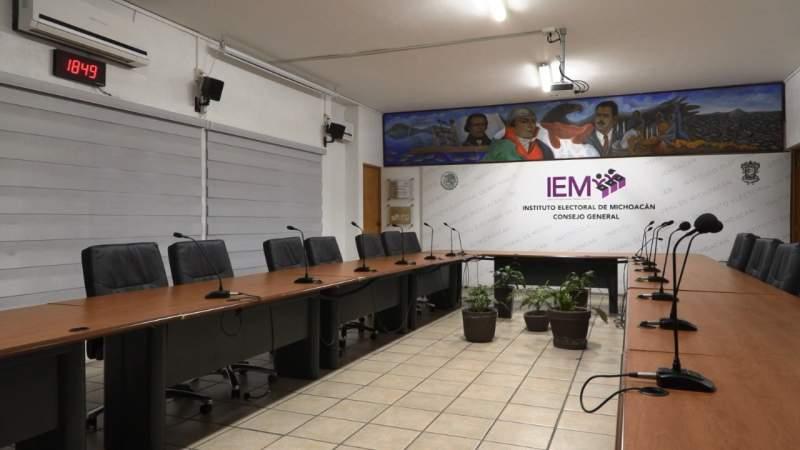 Once registros para diputaciones locales y 19 aspirantes independientes a alcaldía, registra IEM