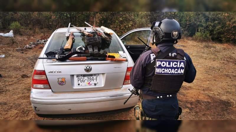 Destruyen un campamento y aseguran armas, cartuchos y equipo de comunicación, en Pátzcuaro