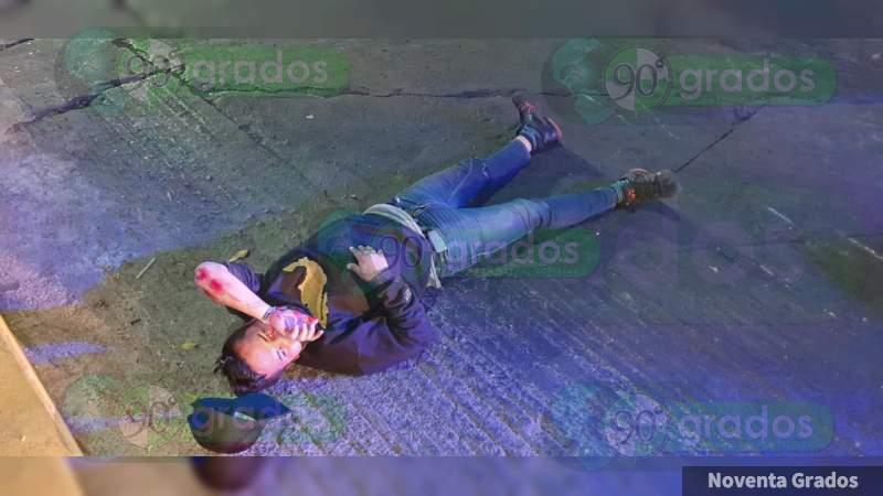 Se accidenta en su motocicleta en Zamora, Michoacán, resultan herido