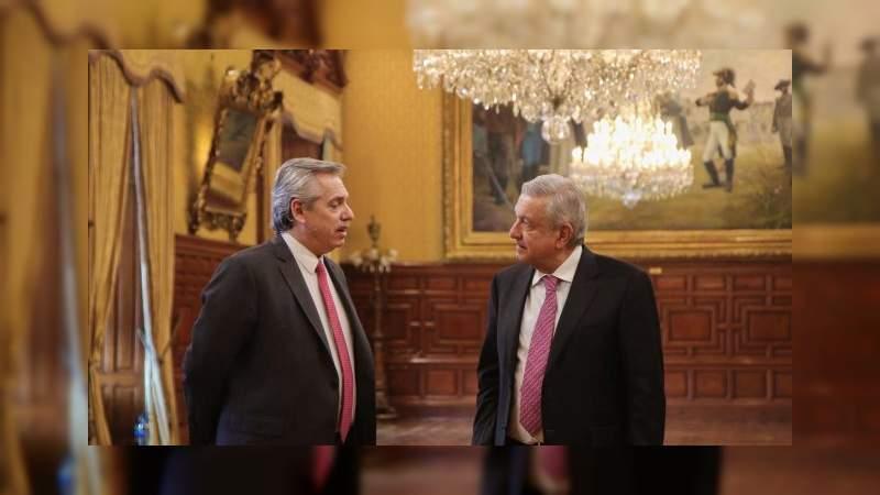 Por ceremonia de los 200 años de la independencia,  AMLO invita al presidente de Argentina a México