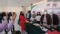 Laura Carmona, candidata a la alcaldía de Lázaro  Cárdenas, recibe constancia del PRI