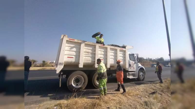 En Morelia retiran 30 toneladas de basura en tiraderos clandestinos