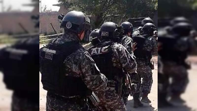 Detienen en Juventino Rosas, Guanajuato a coordinar de Tránsito Municipal