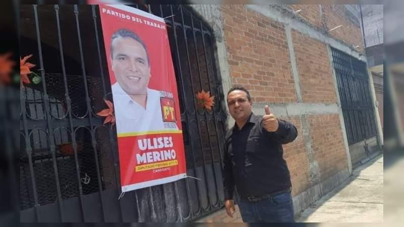 De casa en casa, Ulises Merino busca el voto del distrito 10 federal