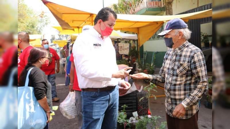 Lleva Memo Valencia sus propuestas a comerciantes y automovilistas para revolucionar Morelia