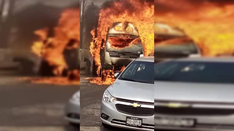 Comienza mayo con 15 descuartizados, quemados o ejecutados, balaceras y bloqueos en Michoacán
