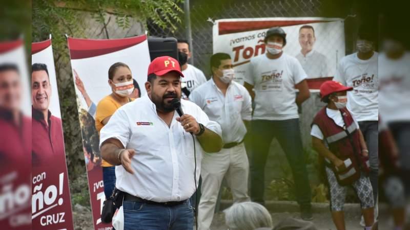 Reformas constitucionales impactaran en la economía del pueblo de México: Paco Huacus