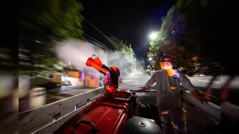 Continúan labores de fumigación contra el dengue en colonias de Morelia: Salud Municipal
