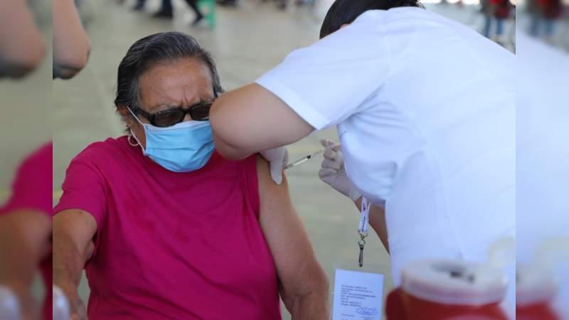 Más de 630 mil vacunas contra Covid-19 han sido aplicadas a adultos mayores de 60 años en Michoacán