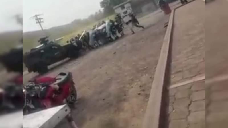 Militares son corridos a pedradas en los límites de Aguililla y Buenavista; soldados realizan disparos