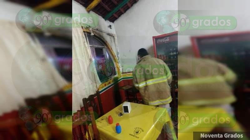 Provocan incendio de restaurante en Zitácuaro
