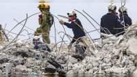 Aumentan a 86 fallecidos por el derrumbe del edificio en Miami