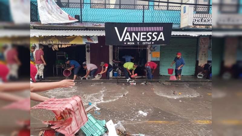 Fuerte lluvia ocasiona severas inundaciones en Nueva Italia, municipio de Múgica