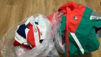Jugadoras de Softbol dejan uniformes de México en la basura