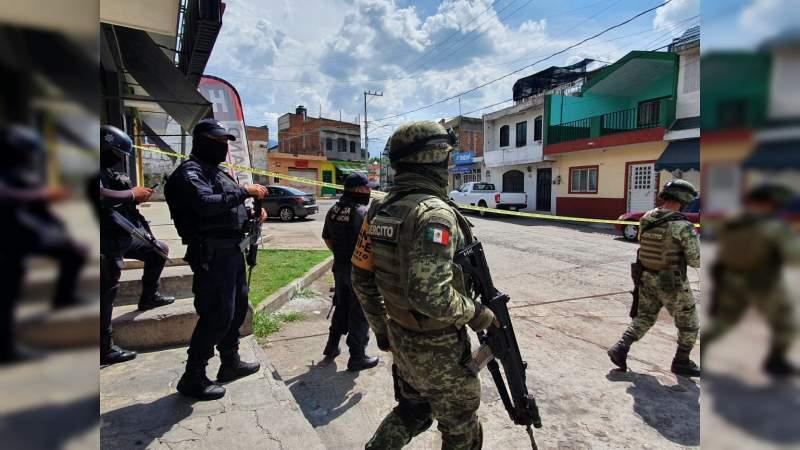 """De un balazo en la cabeza matan a empleado de la frutería """"Tavo"""" en Jacona, Michoacán"""