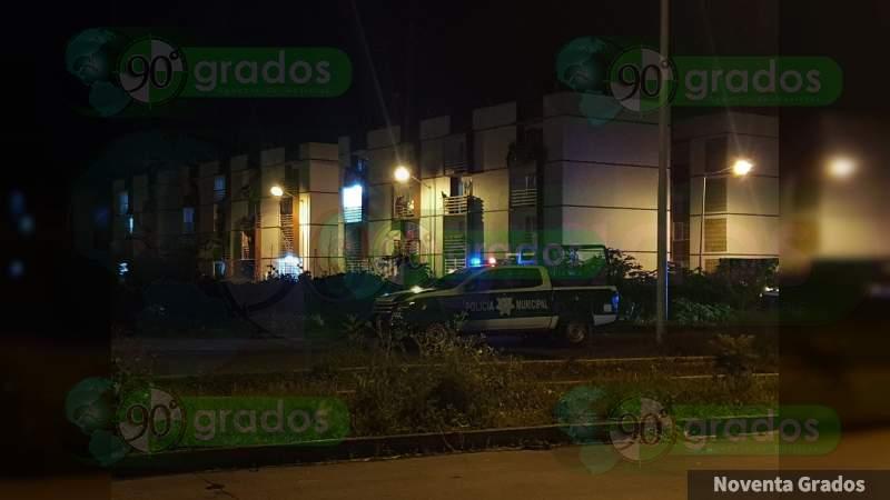 Atacan a policías en Fraccionamiento Acanto II de Zamora, Michoacán