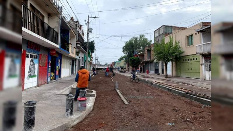 Avance al 65 por ciento en la construcción de la calle Ocampo, en Morelia, Michoacán