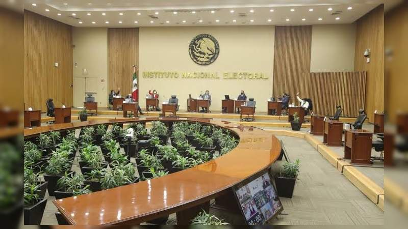 Consejeros del INE niegan sabotaje y defienden la Consulta Popular